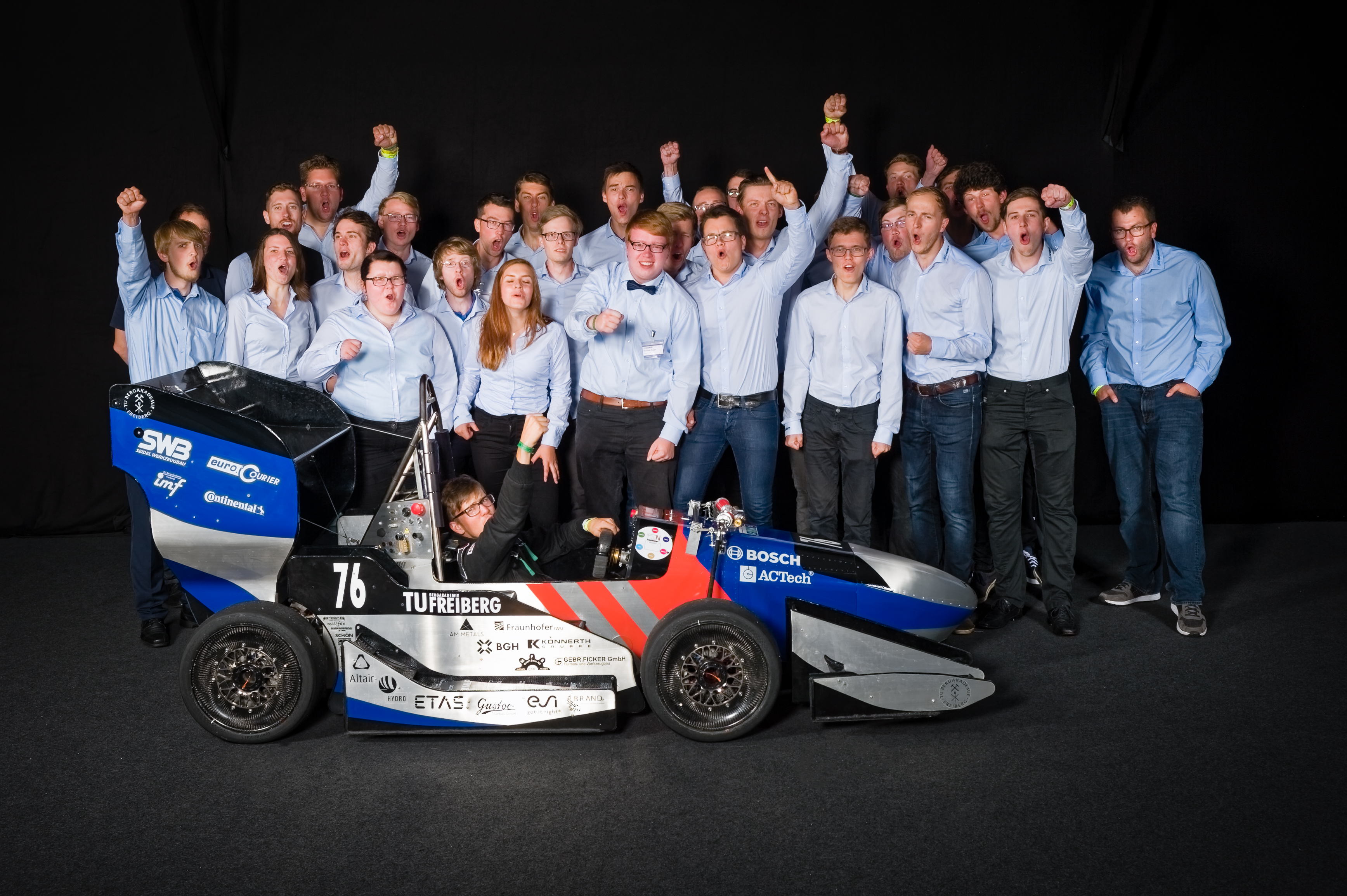 Das Team des RT12 beim Gruppenfoto in Hockenheim 2017